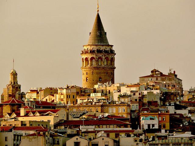 Imagini pentru iSTANBUL -cartierul Galata