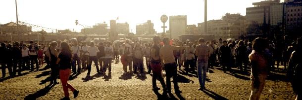 "Les ""duran adamlar"" de la place Taksim"