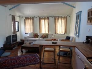 Cukurcuma livingroom3